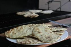 Beilage: Naan-Brot